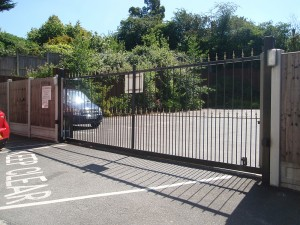 Automatic-Sliding-gate---School